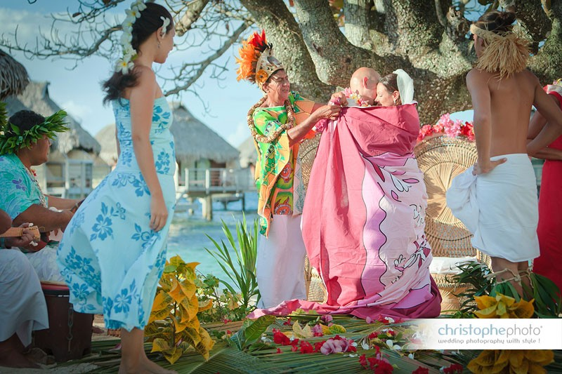 wedding ceremony in french polynesia