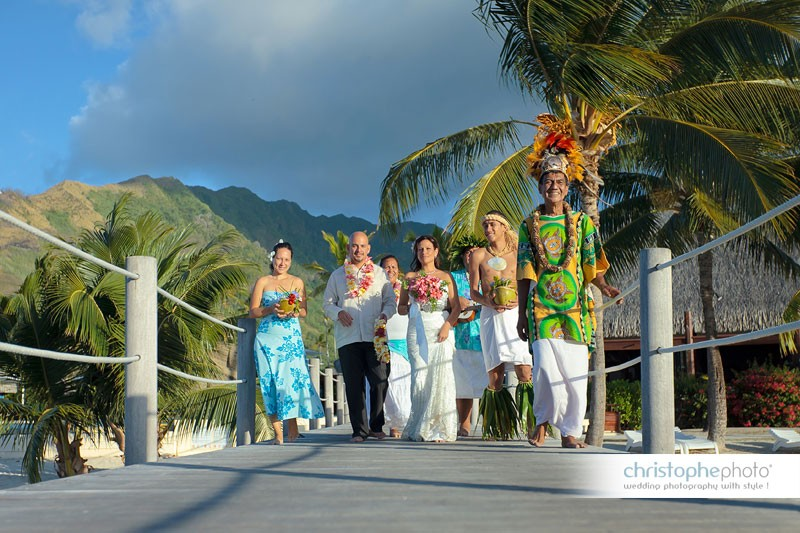 wedding party in tahiti