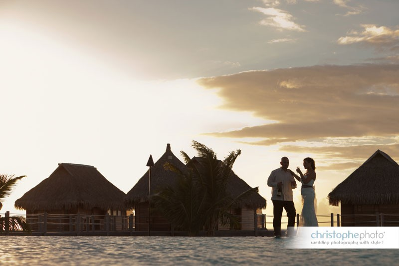 wedding sunset in french polynesia