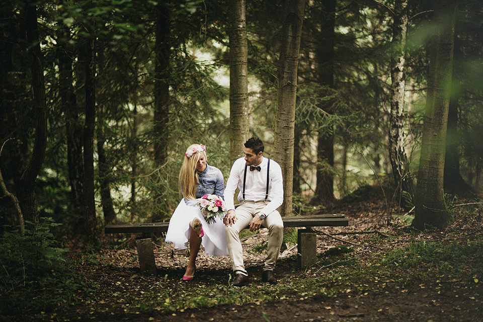 boda bosque ideas corona flores zapatos rosas novia rubia