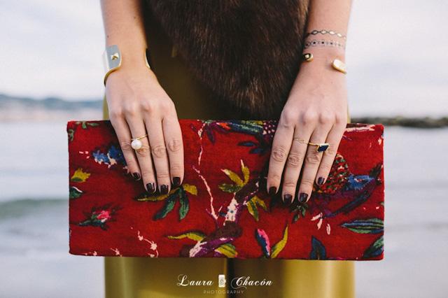 clutch terciopelo velvet bolso invitada boda blog atodoconfetti