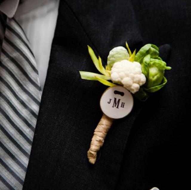decorar vegetales verduras bodas alcachofas coliflor repollo ramo boutonniere zanahoria espárrago centro de mesa