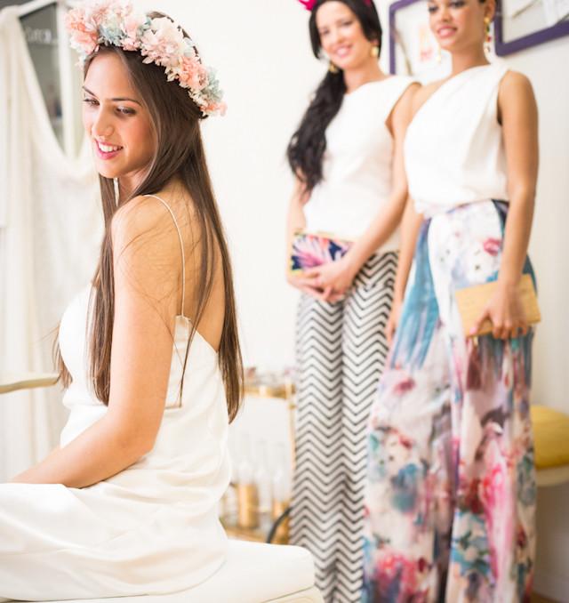 novia vestido invitada tocado corona look estilismo otaduy atodoconfetti
