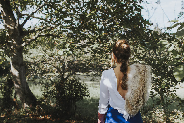 invitada boda look invierno guantes estola falda vestido mas mona alquiler