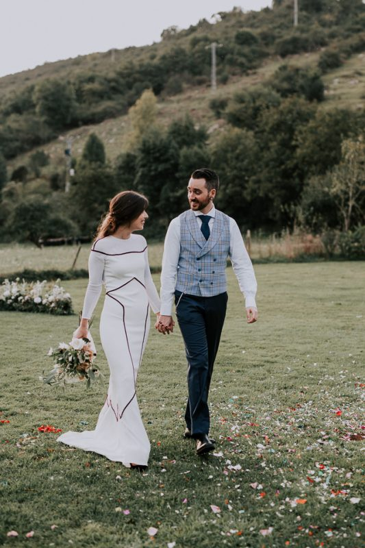 boda asturias vegana vestido novia flor fuertes