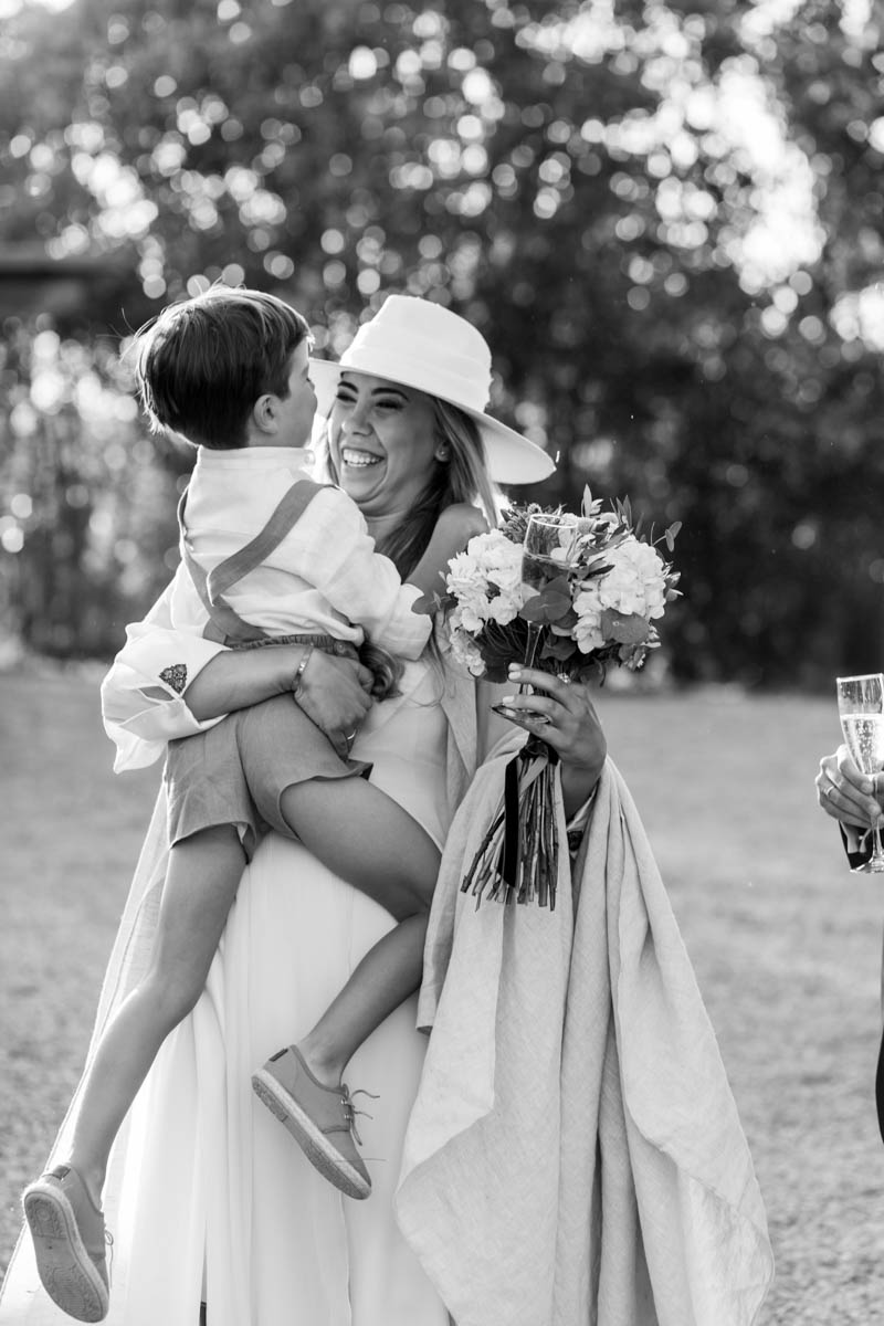 boda zamora vestido novia pantalon sombrero mono capa 39