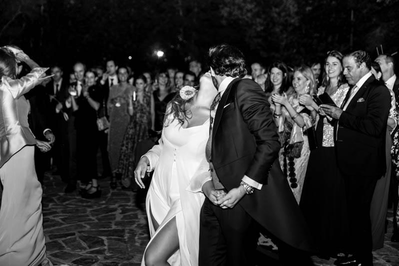 boda zamora vestido novia pantalon sombrero mono capa 46