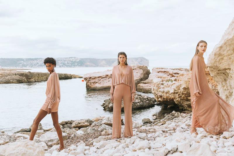 colour nude vestido invitada boda fiesta largo blog atodoconfetti