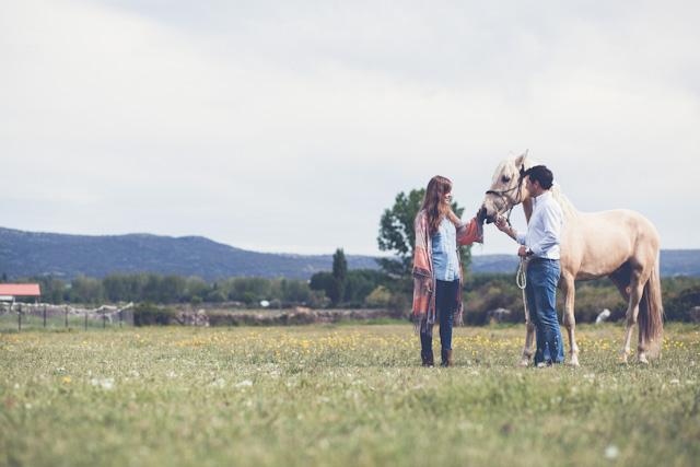 preboda sesion fotos campestre caballo kimono