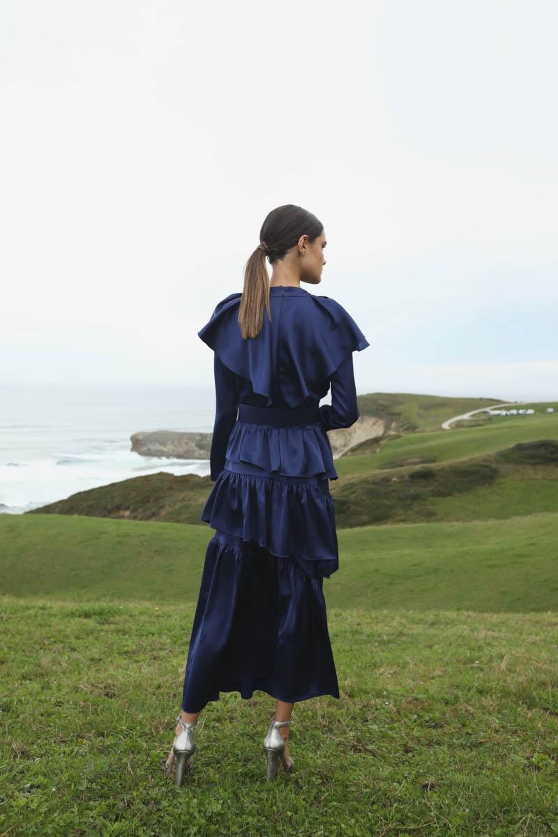 atrezature invitada vestido de fiesta boda invierno largo blog bodas a todo confetti